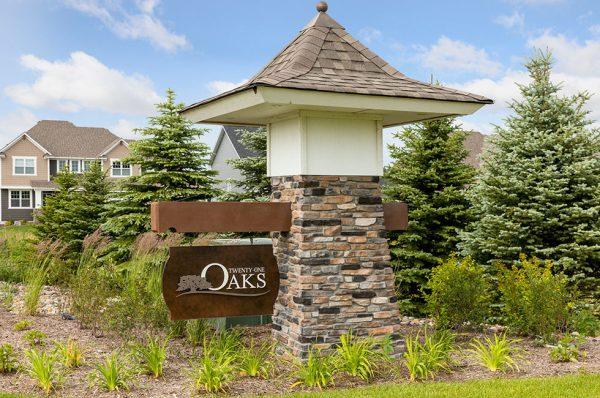 Twenty One Oaks in Woodbury